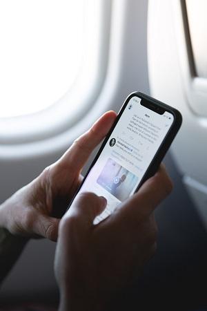 Você pode configurar chip internacional no celular já no avião