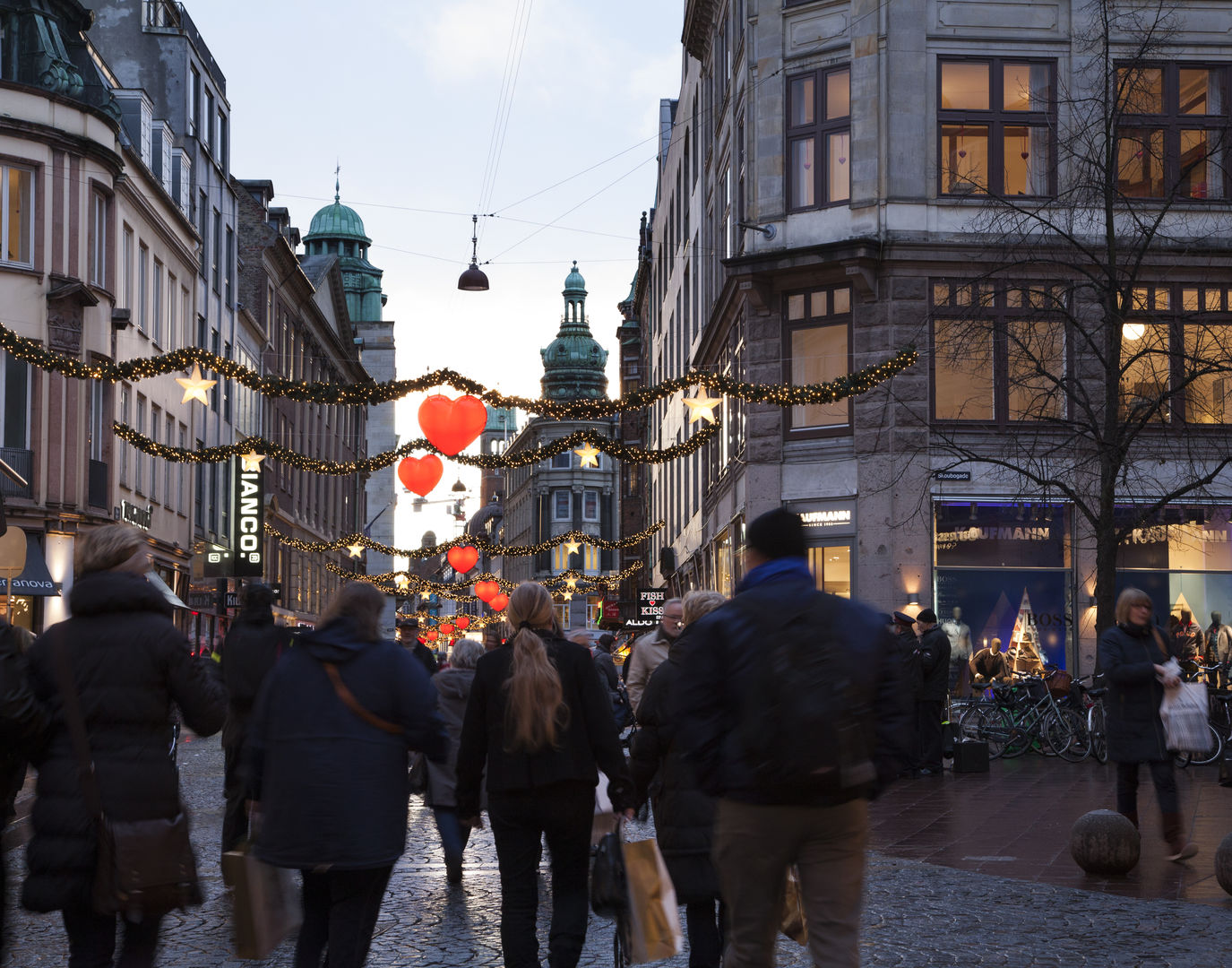 O que fazer em Copenhague: atravessar a maior rua para pedestres da Europa