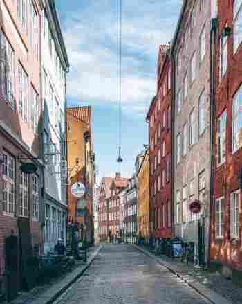 A charmosa rua Margstraede no centro histórico de Copenhague