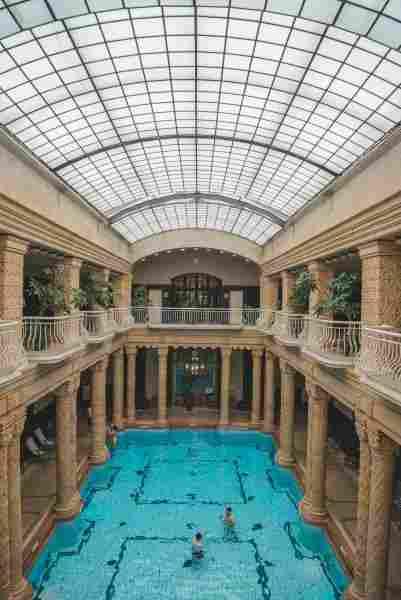 O que fazer em Budapeste: relaxar nas águas termais