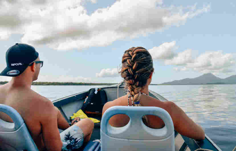 Passeio de barco para Ilha do Cardoso