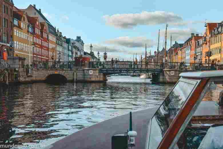 O que fazer em Copenhague: passeio de barco pelos canais