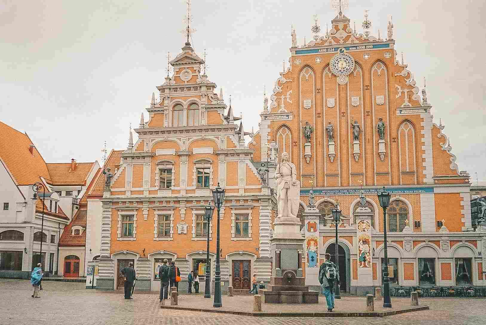 Arquitetura típica de Tallinn, capital da Estônia, um dos países bálticos do continente europeu