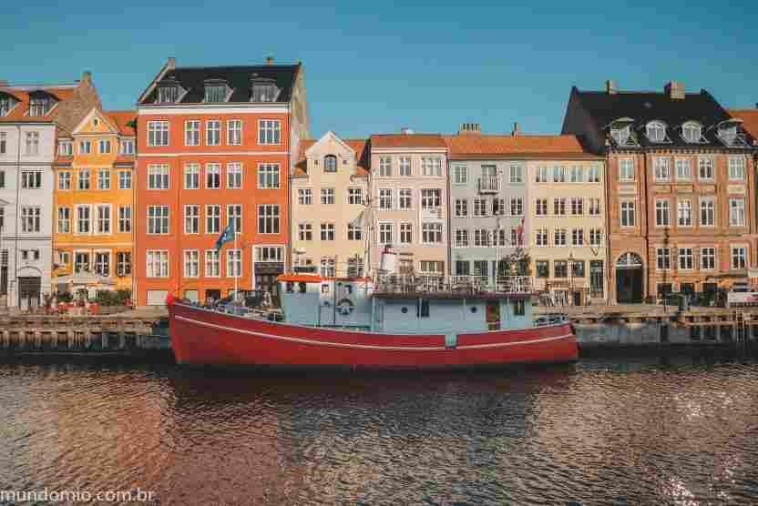 O que fazer em Copenhague: ver as casas coloridas do canal de Nyhavn